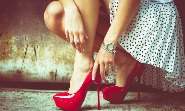 salto alto deixa qualquer look mais feminino, valoriza as pernas, é importante para a postura e já vimos por aqui que os homens adoram! Mas quem nunca se re ...