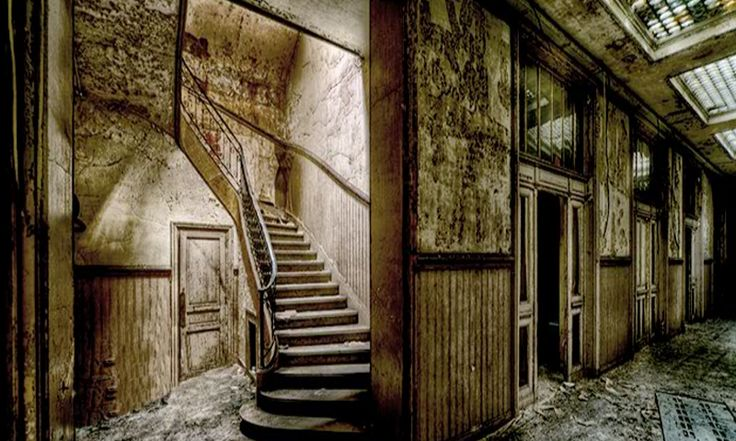 Scary Villa Escape game online in EightGames. Find out the clues and solve the puzzles to escape out from this scariest place as soon as possible.