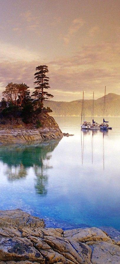 Boats at Curme Islands in Desolation Sound, British Columbia, Canada,photo, George Kondratov