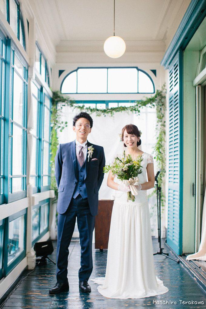 結婚式で生演奏 楽器を持った新郎新婦さん 結婚式の写真撮影 ウェディング グッゲンハイム