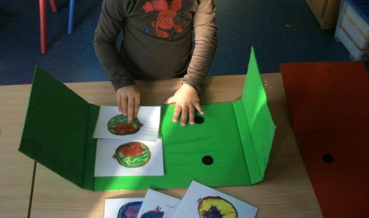 1ste kleuterklas: De juiste pietenmuts in de kast met hetzelfde  kleur!