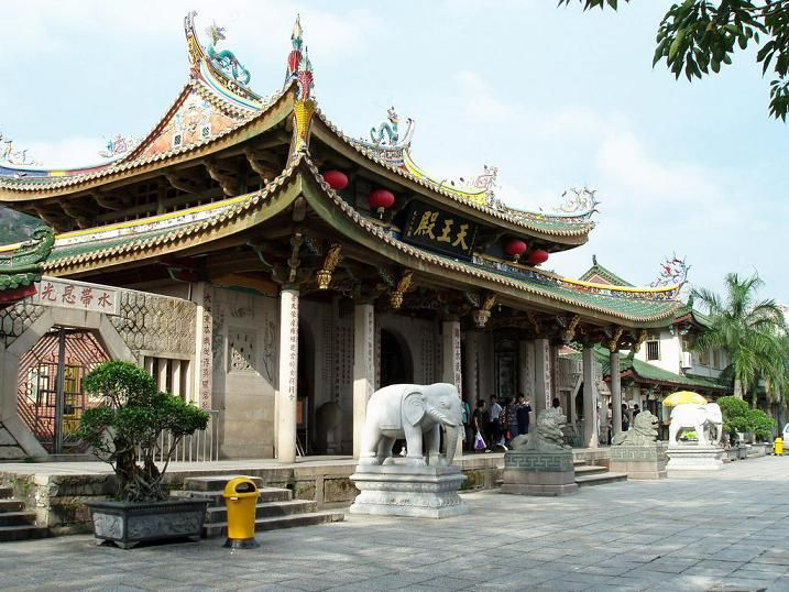 Attractions here include Mount Tianzhu, South Putuo Temple (pictured), Haicang Bridge and of course no visit would be complete without a trip to a local restaurant!