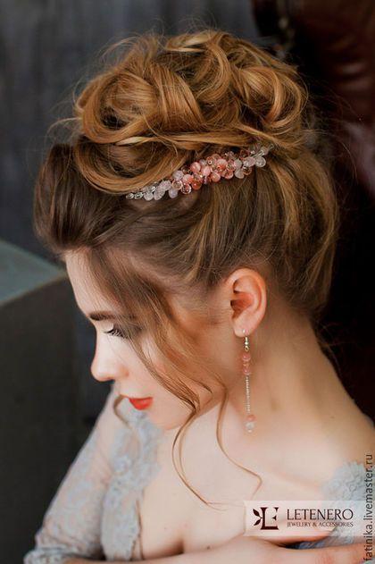 Купить или заказать Свадебный гребень из розового кварца / свадебное украшение в интернет-магазине на Ярмарке Мастеров. Свадебные украшения, свадебный гребень, гребень для невесты, серьги, браслет невесты, украшение свадебной прически, розовые украшения, розовый Свадебный гребень из натуральных камней - розового кварца и кошачьего глаза. Красивый градиент от темной середины к светлому краю Гребень возможно выполнить из других материалов: речной жемчуг, белый агат, кораллы, прозрачные кри...