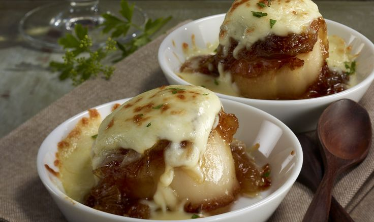 Recipes | Pan Seared Scallops with Caramelized Onions and Figs | SAPUTO Cheeses from Canada