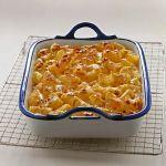 Scopri su Sale&Pepe come preparare i maccheroni con le noci, un primo piatto di pasta al forno condito con una golosa besciamella alle noci