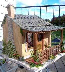 http://www.greenleafdollhouses.com/dollhouse_news/JUL2008/adams-doll-house.html