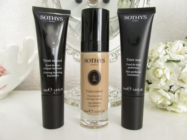 Review & Swatches: Sothys Teint Naturel Glowing Hydrating Foundation - beige rosé BR50 - 30ml ca. 36.00 Euro / Teint Satiné Age Defying Foundation - beige rosé BR50 - 30ml ca. 40.00 Euro / Teint Mat Skin Perfector Foundation - beige rosé BR50 - 30ml ca. 36.00 Euro