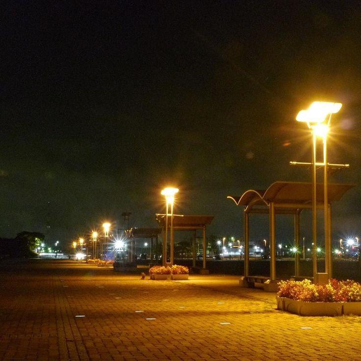 . 無人 - Alone . 今日の横浜の予報は . 湿度は高く蒸し暑いです . 水分補給してくださいねー . #いわきららミュウ #小名浜 #いわき #福島 #東北で良かった  #夕日 #夕焼け #小名浜 #夜景  #onahama #iwakicity #fukushima #japan #リフレクション #アクアマリンふくしま  #twilight #onahama #port #marines #pacific #sunsets #japan_of_insta #reflection #nightview #aquamarinfukushima