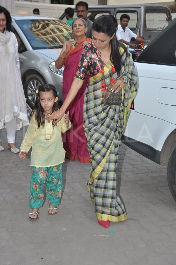 Just absolutely love this woman's choices. love the saree, blouse and the accessories.