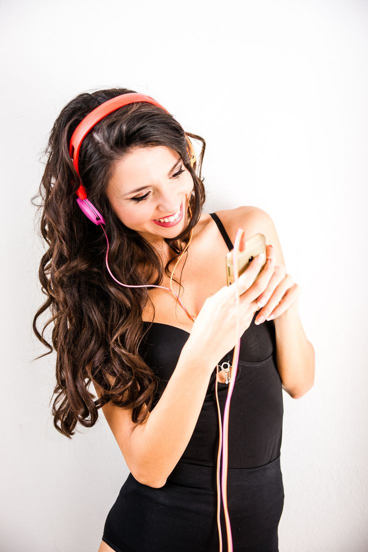 Smiling to the music - Denise C. Love the music
