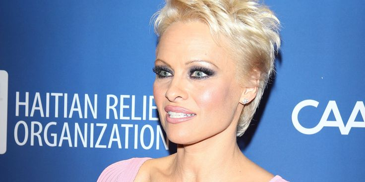 Pamela Anderson Photos ( image hosted by huffingtonpost.com )