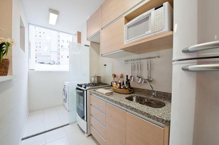 decoracao cozinha e area de servico integradas:Cozinha com lavanderia, área de serviço integrada, cores claras