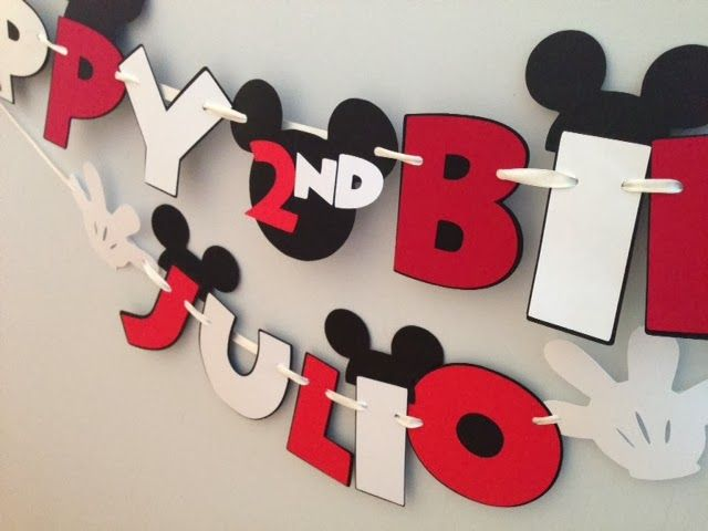 Really Renata: Cricut Mickey banner