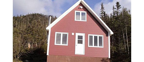 For sale by owner. Three bedroom cabin overlooking in Milltown - Newfoundland Buy