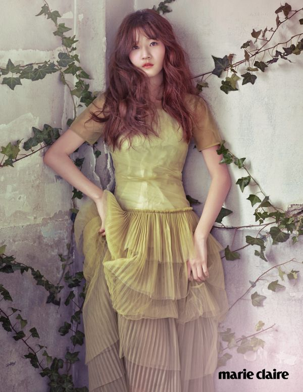 'Marie Claire Korea' March 2015 | 김새론 Kim Sae Ron | 로우클래식 Low Classic, Burberry Prorsum