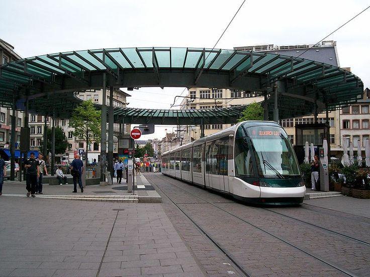 Tramway de Strasbourg ligne A à la station Homme de Fer pour Illkirch