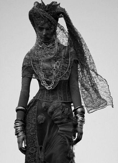 stunning: Black Lace, Saad Al Hakkak, Red, Inspiration, Style, Veils, Dark, Costume, Fashion Photography