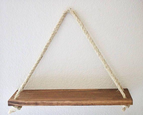 Opknoping van planken, opknoping muur plat, touw muur plat, drijvende muur plank houten wand plank, houten plank, Boheemse plank, muur planter, rustieke muur plank, dorm kamer decor, dorm kamer plank, moderne plank, boho plank Set van 2 opknoping touw muur planken. Dit is het perfecte accent