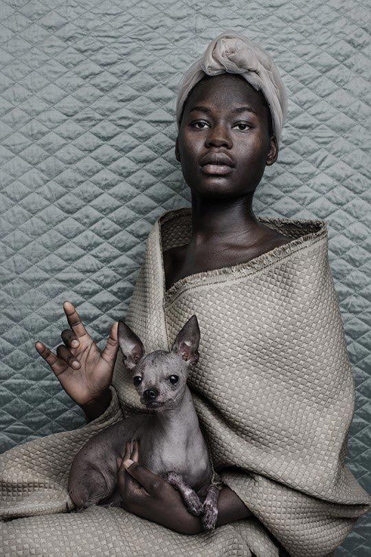 © Shelly Mosman, série « Millenium Series » Woman & Dog, 2013.