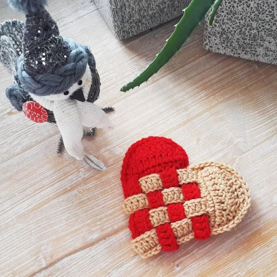 Time to love  Crochet heart pattern pdf Hearts by Kandiana on Etsy