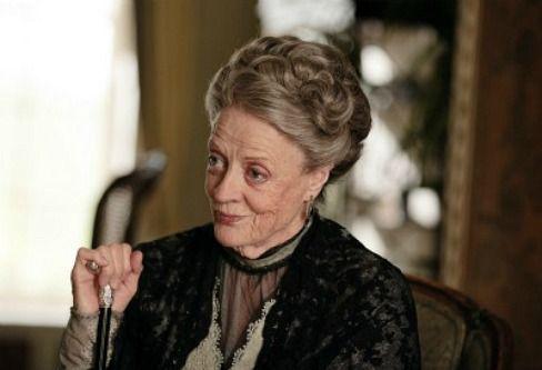 Даунтон Abbey: Season 2 - Мэгги Смит фиолетового Кроули, вдовствующая графиня Гранты