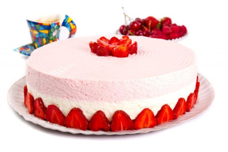 Erdbeertopfen-Cremetorte ein tolles Rezept speziell zur Erdbeerenzeit.  #erdbeeren #torten #rezepte