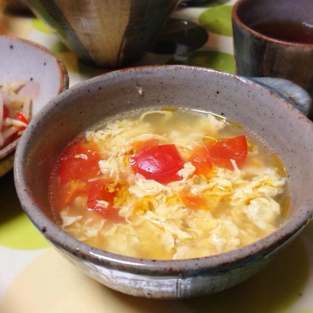 おろし生姜と胡麻油で中華っぽさ出るよねー。 - 21件のもぐもぐ - トマトと玉子の中華スープ。 by usaG