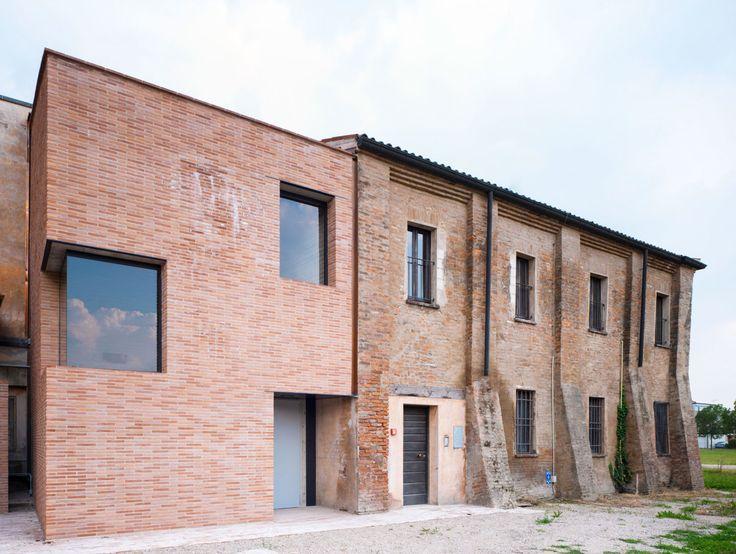 L'intervento di riqualificazione dell'ex convento di S. Maria si è inserito felicemente come occasione di rigenerazione urbana sostenibile nell'ambito degli interventi di adeguamento funzionale di edifici pubblici nel Comune di Gonzaga (Mantova) .