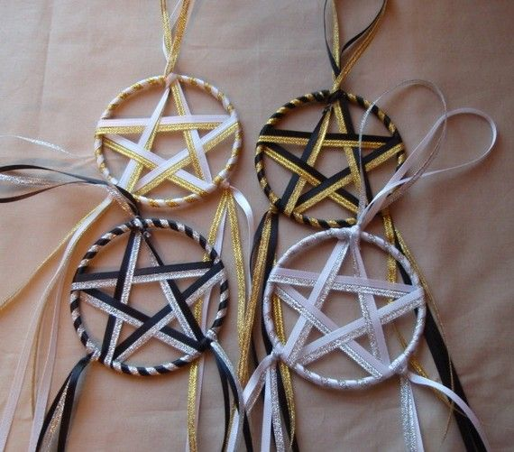 Yule decorations-ribbon stars