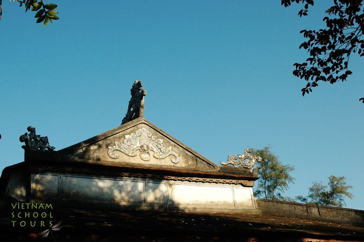 The Roof of Thien Mu pagoda