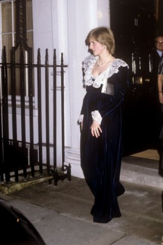 Princess DIana pregnant photos - The pregnant Princess of Wales leaving 11 Downing Street after attending a British Film Institute dinner at the Chancellor of the Exchequer's official residence, - The pregnant Princess of Wales leaving 11 Downing Street after attending a British Film Institute dinner at the Chancellor of the Exchequer's official residence,