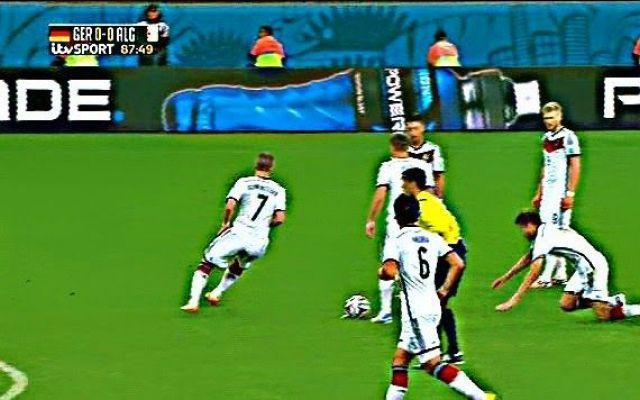 DiarioMondiale20. Germania ai quarti,ma quanta confusione di ruoli!Epic-fail di Muller(foto).Francia abbatte Onazi(foto) #mondiali #germania #muller #onazi