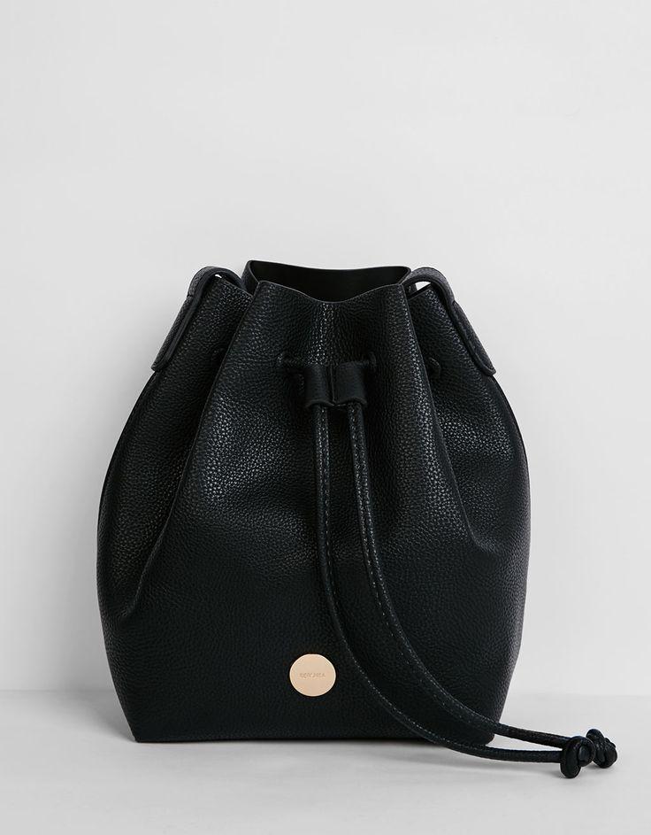Τσάντα pouch μονόχρωμη - Τσάντες - Bershka Greece