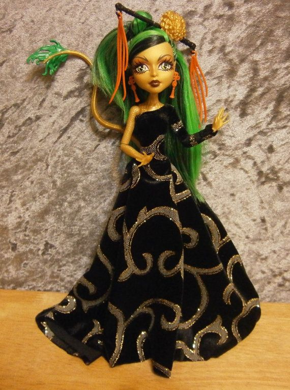 Black and gold gown for monster high dolls by moonsight68 on Etsy, $22.00
