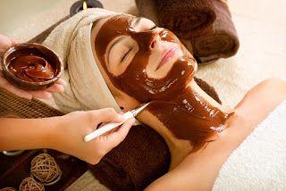 5 Manfaat Masker Coklat Untuk Wajah, Coklat merupakan makanan yang banyak disukai karena memiliki rasa yang manis, Namun belakangan ini coklat diaplikasikan menjadi masker