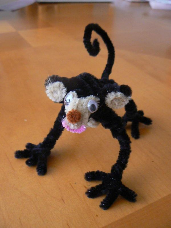 Monkey - 50 Pipe Cleaner Animals for Kids, http://hative.com/pipe-cleaner-animals-for-kids/,
