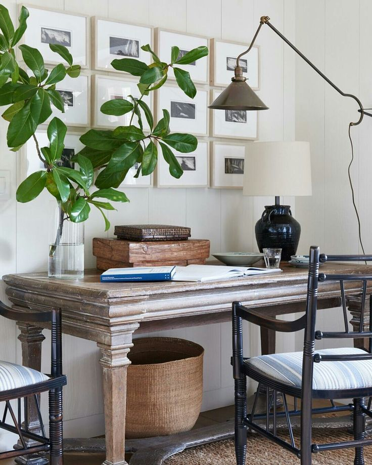 Have some work to catch up on? This is how we do it in California (read: stylishly). Rattan and bamboo boxes make staying organized and chic a breeze. @archdigest —@markdsikes | Photo @amyneunsinger #markdsikesinteriors #californiatoday...
