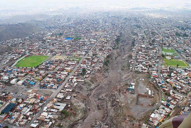 02/10/2013 - Peru, Chile and Bolivia hit by floods.  Torrential rain has been creating havoc along the Pacific coast of South America, with flooding causing the deaths of at least 6 people in Peru.  In the southern city of Arequipa, 1000's of people were left without electricity and drinking water.  In Bolivia, nearly 9,000 families across the country were affected by flooding, said authorities.  A downpour in the Andean region of Chile has also led to fresh water shortages in Santiago.