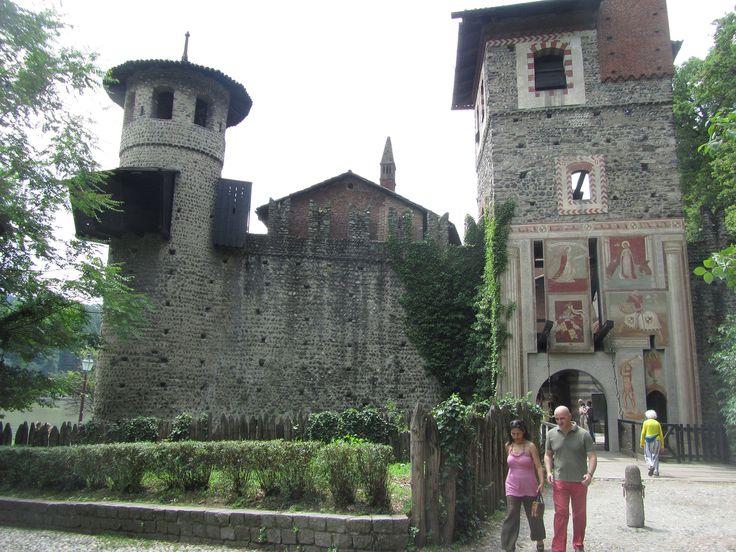 Borgo medievale, parco del Valentino TO, Piemonte. 45°04′00″N 7°42′00″E