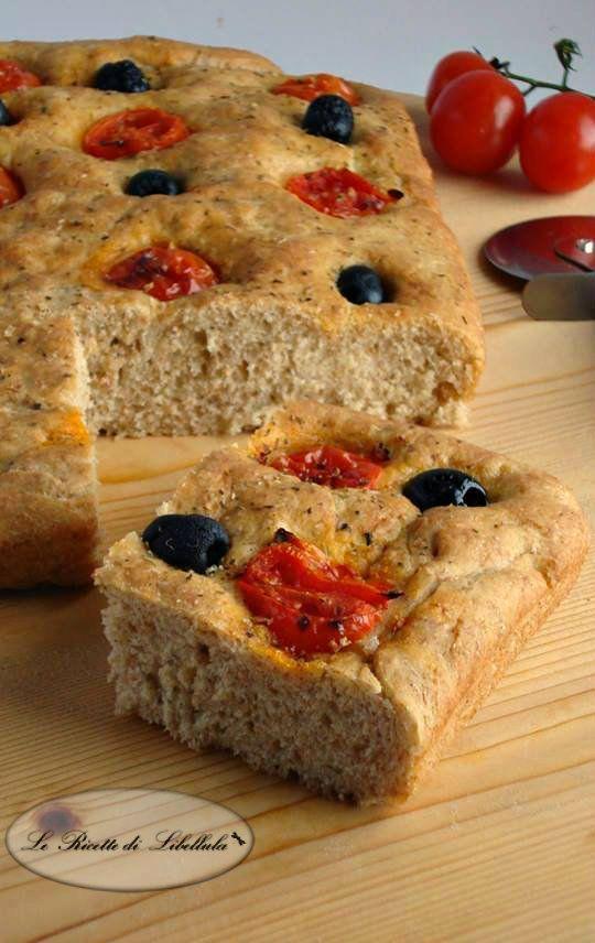 awesome Focaccia integrale con pomodorini e olive | Le ricette di Libellula
