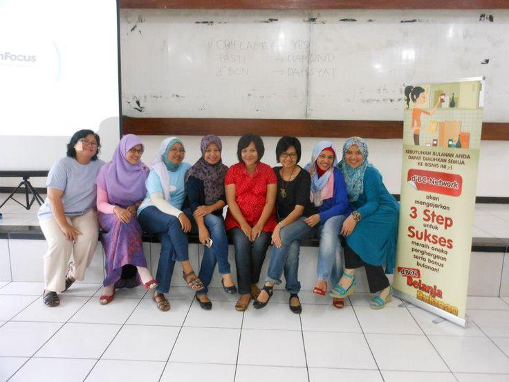Panitia acara d'BCN Bogor..cakep :))