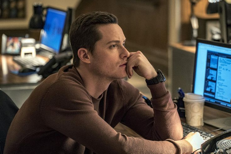 Chicago PD: Jesse Lee Soffer and Torrey DeVitto Reflect on 100th Episode - Today's News: Our Take | TV Guide