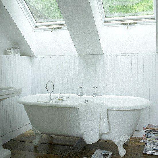 Доброе утро, дорогие друзья☀ Начнем это прекрасное утро с новых идей Место для релаксации на мансарде - ванная комната в загородном доме. http://santehnika-tut.ru/vanny/ #дизайн #интерьер #стиль #ванная #сантехника #плитка