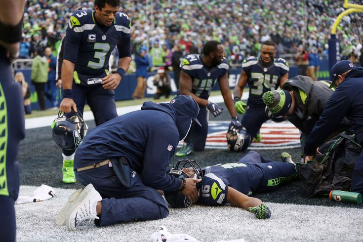Seahawks wide receiver Tyler Lockett left Seattle's Week 16 loss to the Arizona Cardinals after suffering a gruesome injury to his right leg in the second quarter. After the game, Seahawks head coach Pete Carroll confirmed the second-year pro will miss the rest of the season with the injury, which will require surgery.