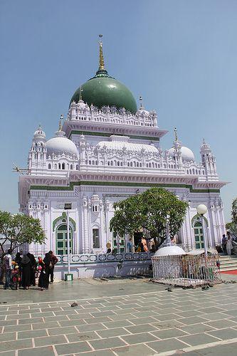 Dargah of Hazrat Waris Ali Shah, Dewa Sharif, Barabanki
