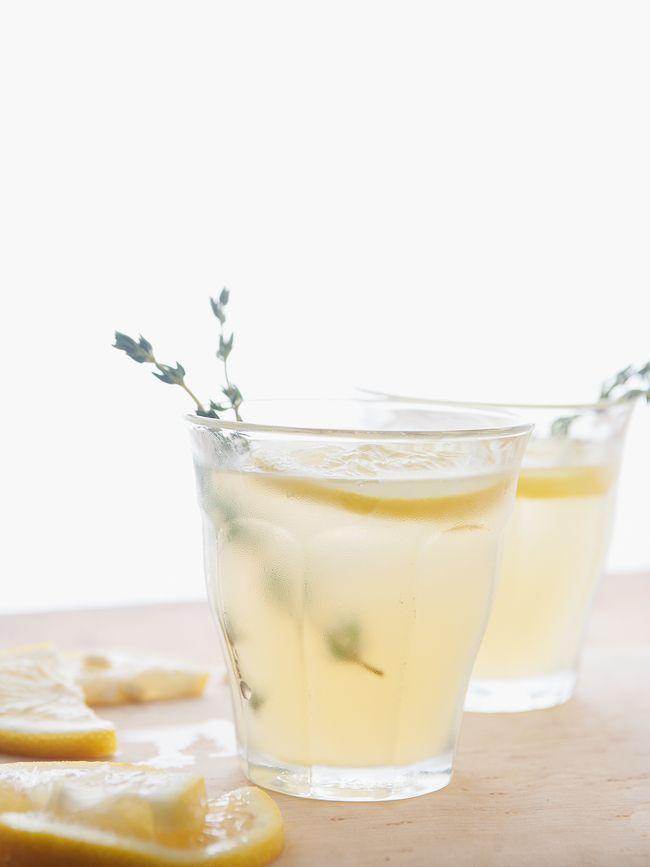 gin thyme lemonade (the Tart Tart)