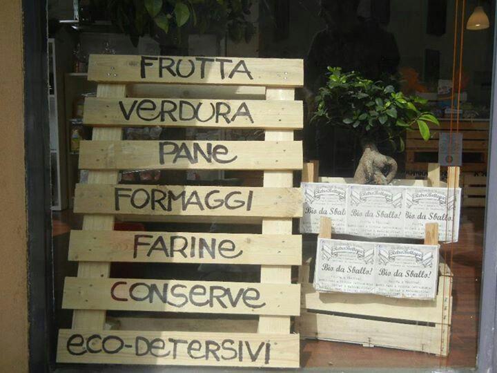 Retròbottega, Via San Gaetano 81, Rogoredo di Casatenovo