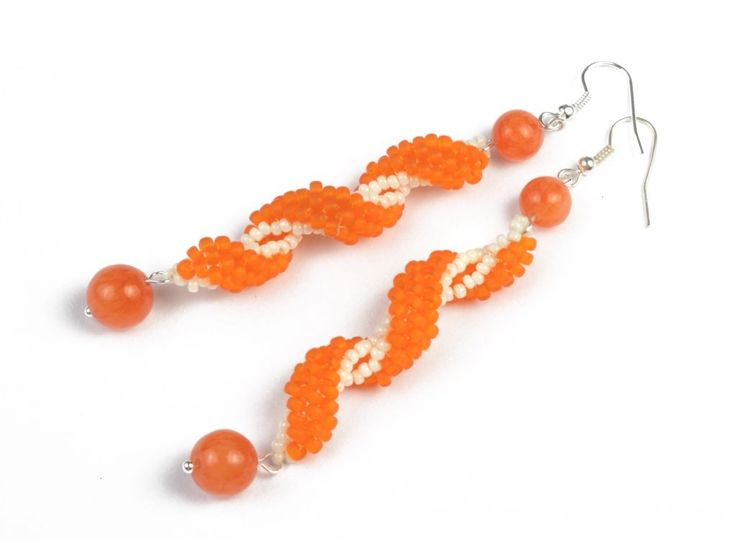 Brick stitch earrings with size 11/o and 8/0. printable version & translate ~ Seed Bead Tutorials