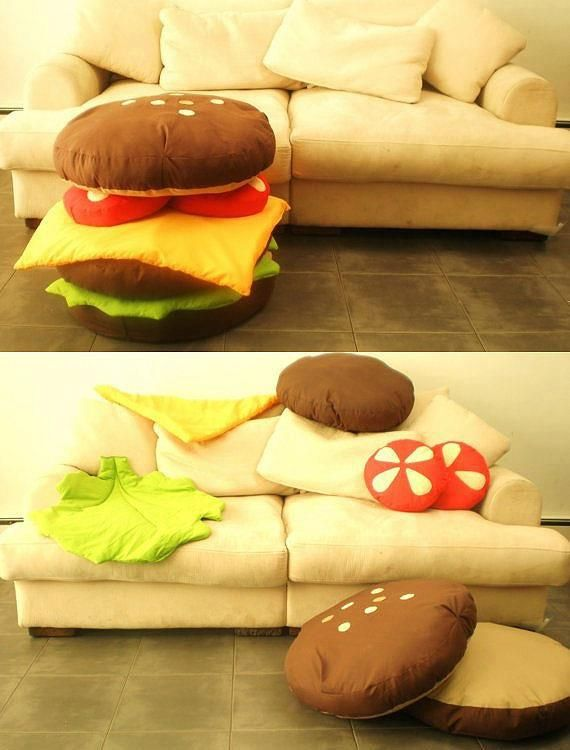 If I could make this, it would be soooo fantastic! Hamburger scatter pillows!