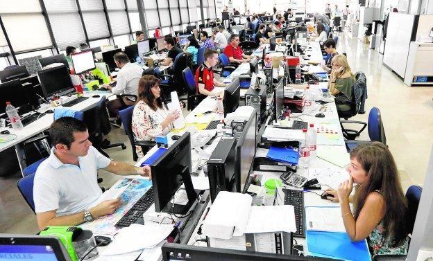 Sala de operaciones de Primafrio, desde la que se controlan sus más de 1.700 camiones.
